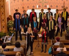 Am Abend fand ein Gospelkonzert in der Kirche statt